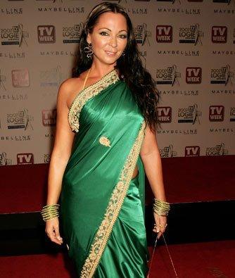 Tania Zaetta in green saree photo