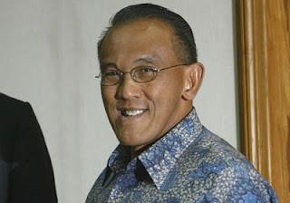 Aburizal Bakrie - 5 Orang Terkaya Indonesia 2011 -  www.iniunik.web.id