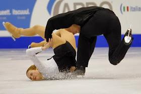 Potret Pose Memalukan Para Atlet Ice Skating [ www.BlogApaAja.com ]