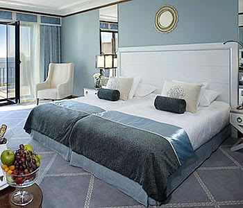 Life And Style A To Z Tbpt Twin Beds Pushed: 2 twin beds make a queen