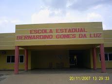 O prédio da Escola Bernardino