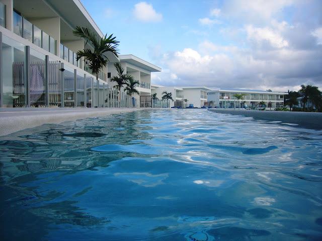 swimming pool port douglas