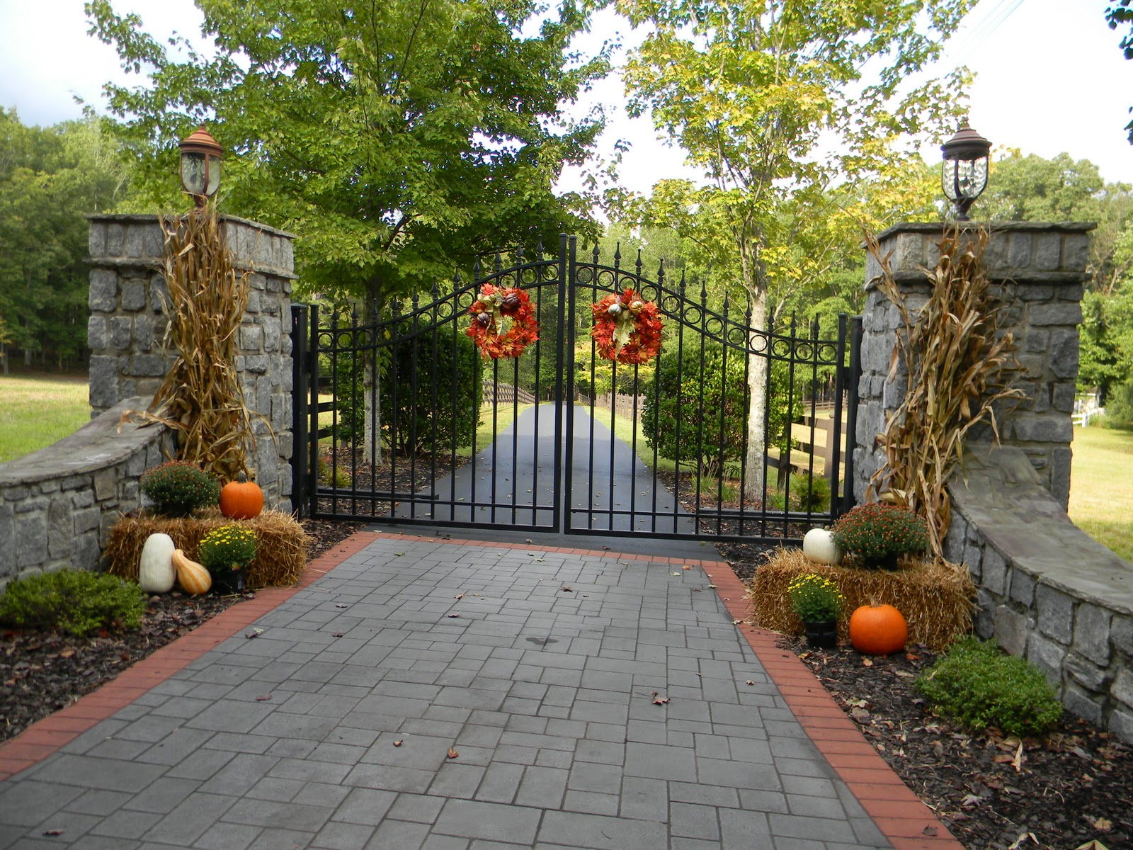 Outside Fall Decorating