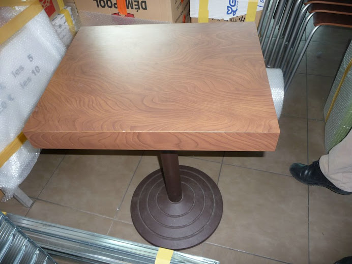 TABLE STRATIFIEES 50X50
