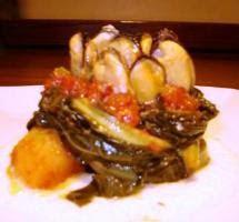 Bouchet di cozze con cavolo stufato al pomodoro e fonduta di pecorino