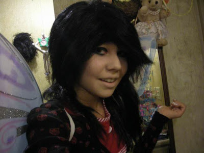 cute emo girl hairstyle