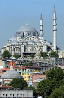 FOTO KEINDAHAN ARSITEKTUR ISLAM GAMBAR DESAIN INTERIOR ISLAM - Masjid Biru Turki Yang Menawan