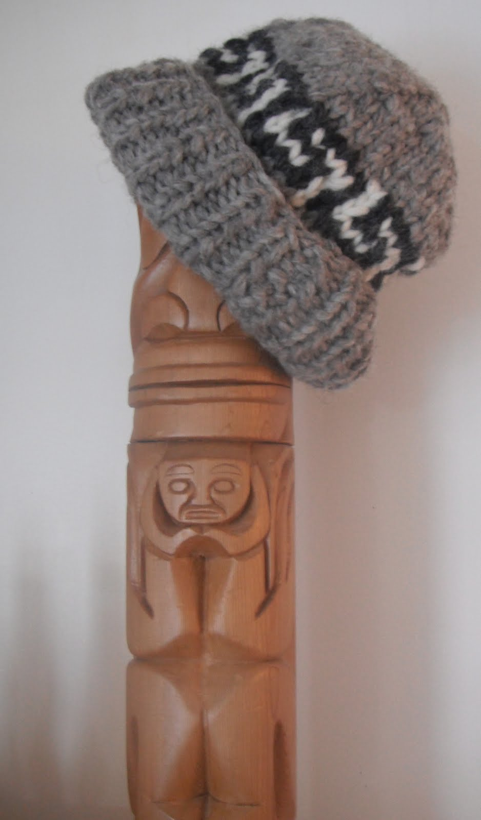 Knitting Patterns For Toques : Honey Nutbrowns: Knitting! Cowichan Toque