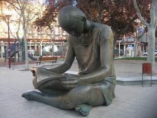Lectura en la plaza