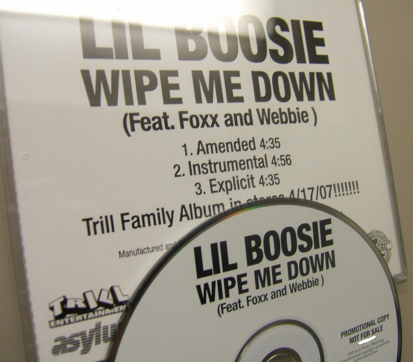 http://2.bp.blogspot.com/_9cw-jhhRBE4/S-hHU9BA3SI/AAAAAAAADAE/EX4IPsRz-t4/s1600/00-lil_boosie_ft_foxx_and_webbie-wipe_me_down-(promo_cds)-2007-(proof)-whoa.jpg