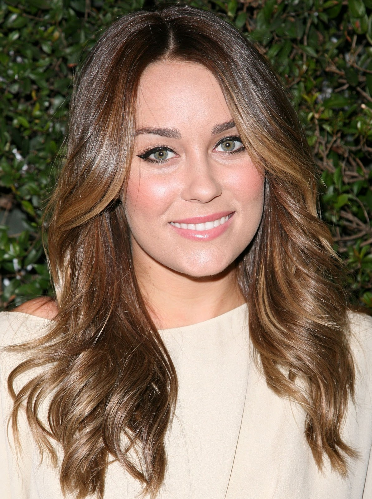 Lauren Conrad Gives Good Hair (and Accessories)