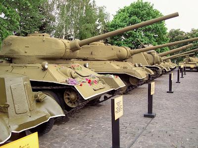 Танки в экспозиции музея ВОВ