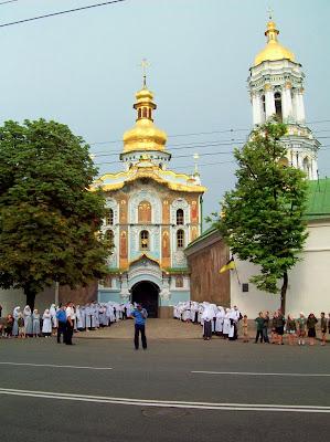 Сестры милосердия ожидают приезда Патриарха Кирилла
