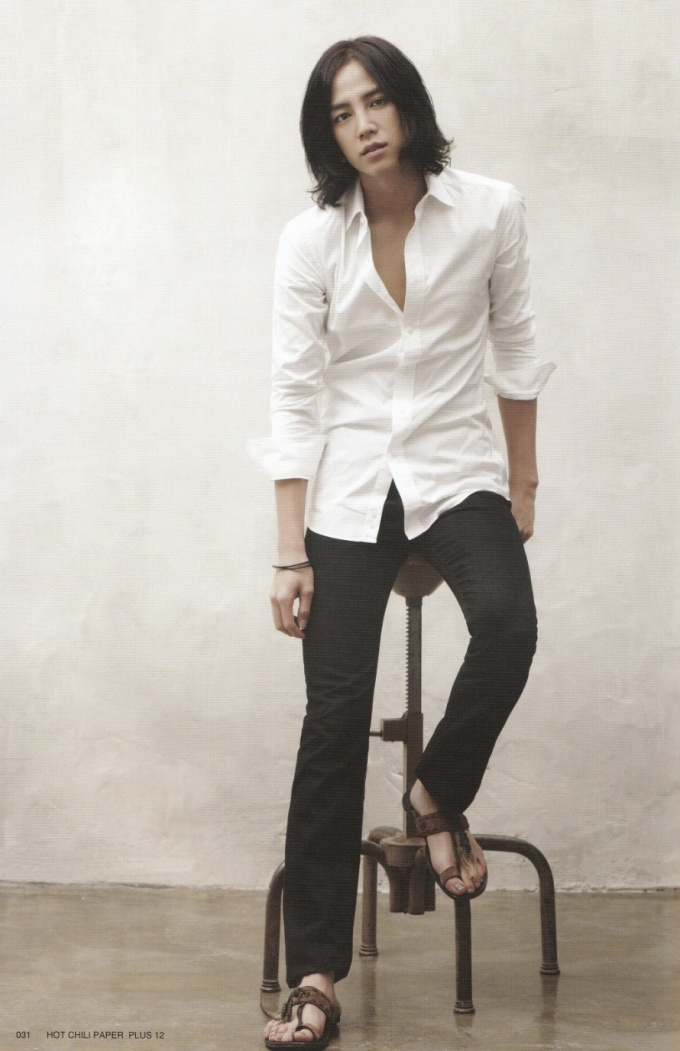 Pasando revistas - Jang Geun Suk Download020