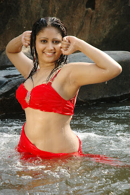 AMURTHA VALLI SPICY HOT STILLS FROM TAMIL MOVIE unseen pics
