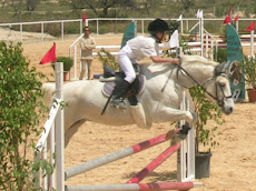 binomio Caballo-Jinete...Lo importante es que tanto el niño cómo el caballo se sienten seguros.