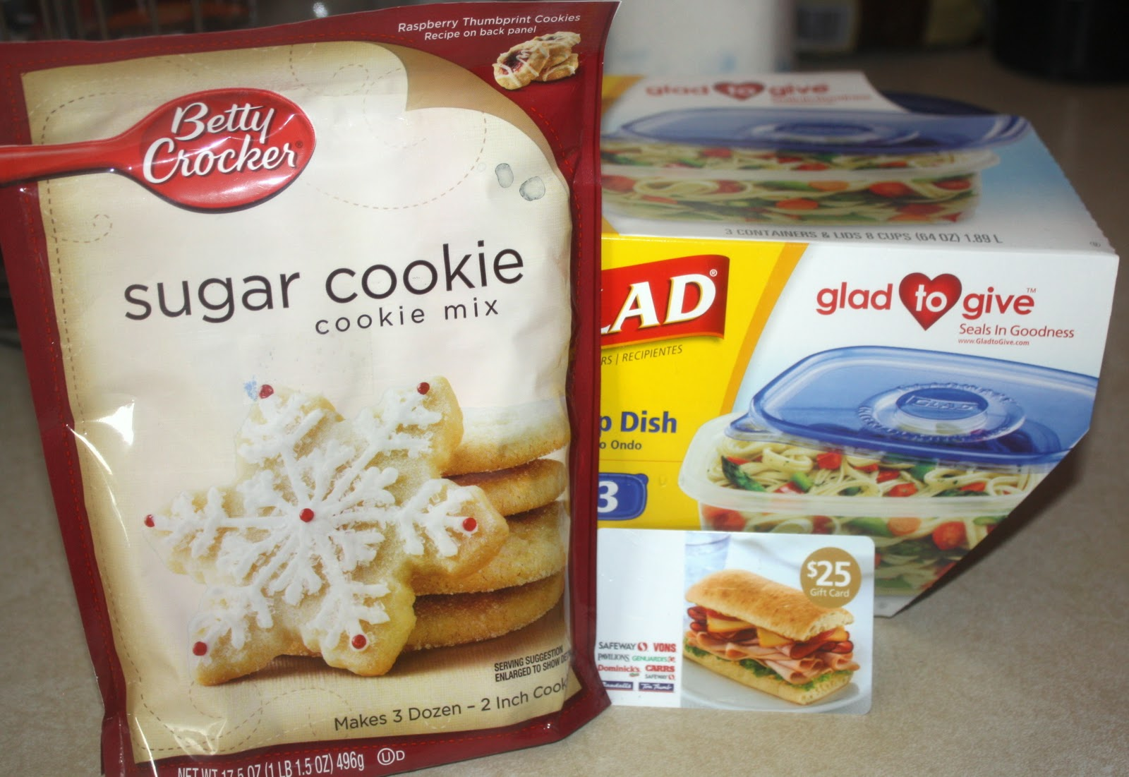 i was sent a holiday cookie exchange package from my blog spark which included betty crocker sugar cookie mix a set of glad deep dish containers - Betty Crocker Christmas Cookie Recipes