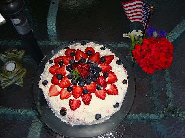 jello poke cake recipe, summer, cake, dessert