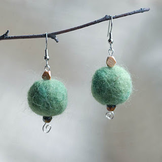 Green spring happy earrings