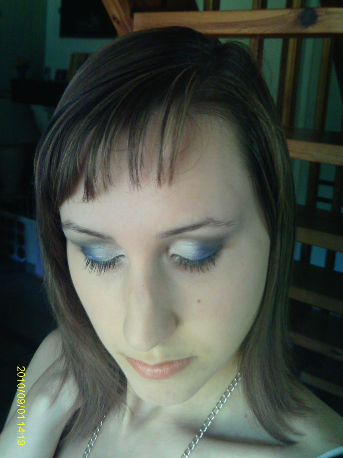 http://2.bp.blogspot.com/_9k42KqT4d00/TH54tOxpCxI/AAAAAAAAAt0/K_txQYUDfkg/s1600/Lili+1.jpg