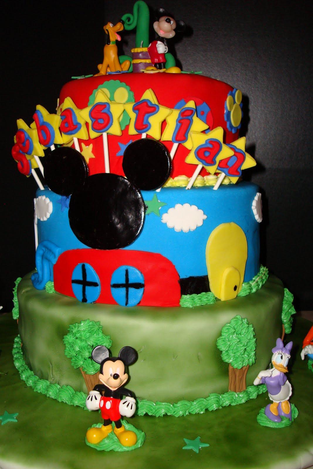 Dulces Ideas y Mas: Pastel de Mickey Mouse!!