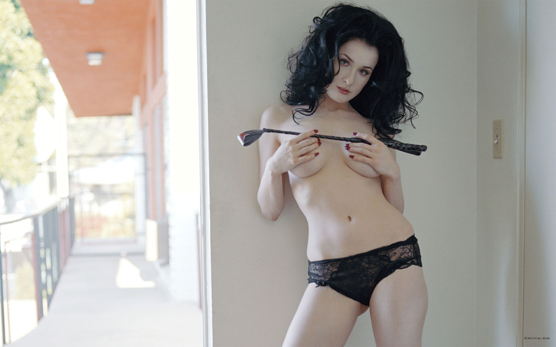 http://2.bp.blogspot.com/_9lSwJ-jeXxQ/R1TxGK8PTFI/AAAAAAAAAcI/SzKAAPK_13I/s1600-R/dita_von_teese_sexy6.jpg