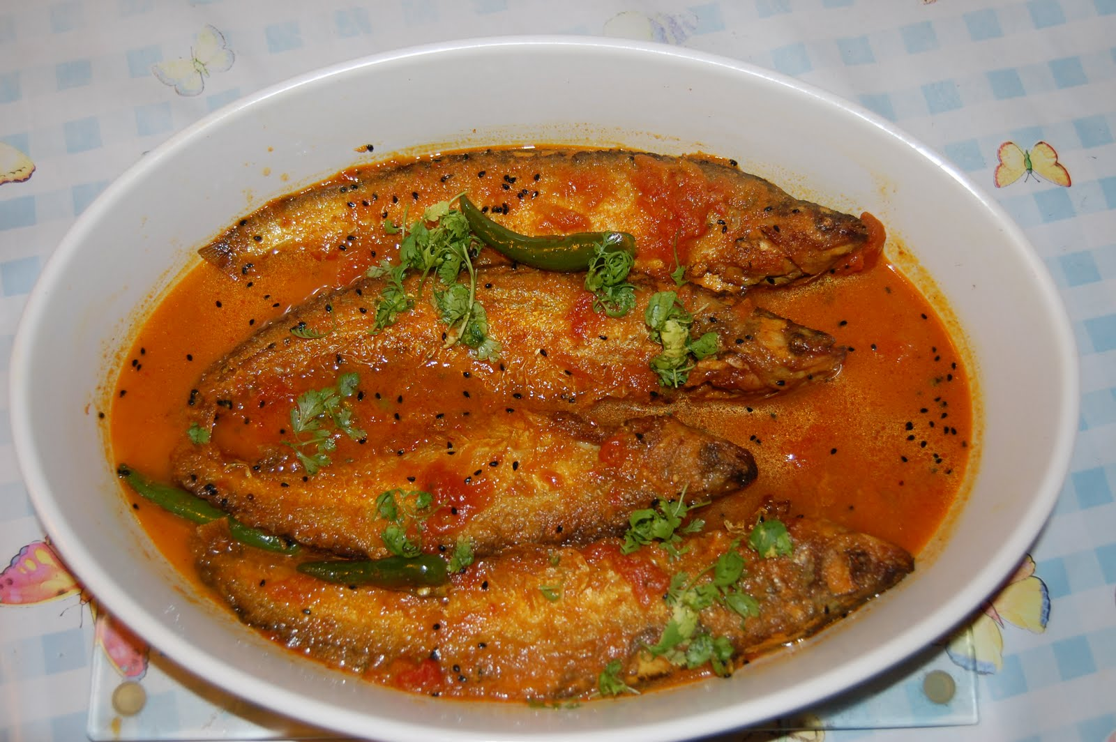 Recipes from the world bengali style fish curry pabda fish bengali style fish curry pabda fish forumfinder Choice Image