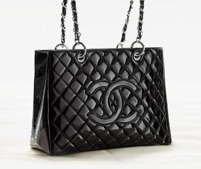 c0cd621e83f6 Who Hit the Vogue  The classic Chanel bags