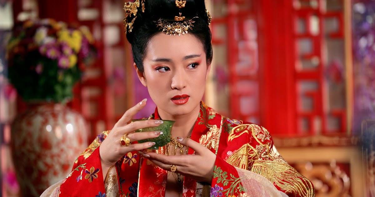 Disneys new Mulan wasted its best character: Gong Lis