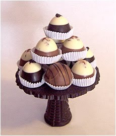 wedding chocolate bars,wedding chocolate covered strawberries,wedding favor chocolates,wedding favors,wedding chocolate favor