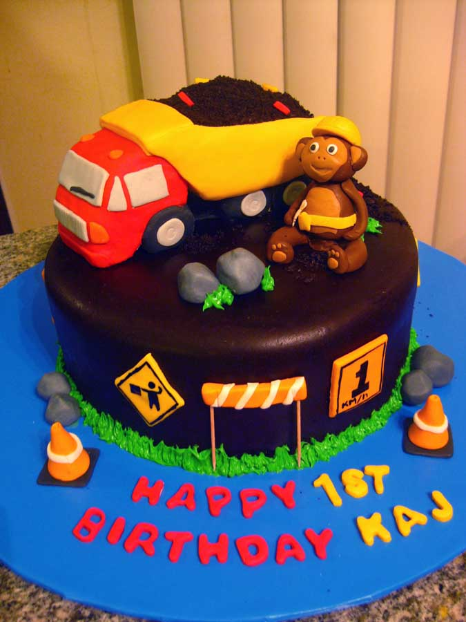 Janas Fun Cakes Blogspot The Dump Truck Monkey Cake