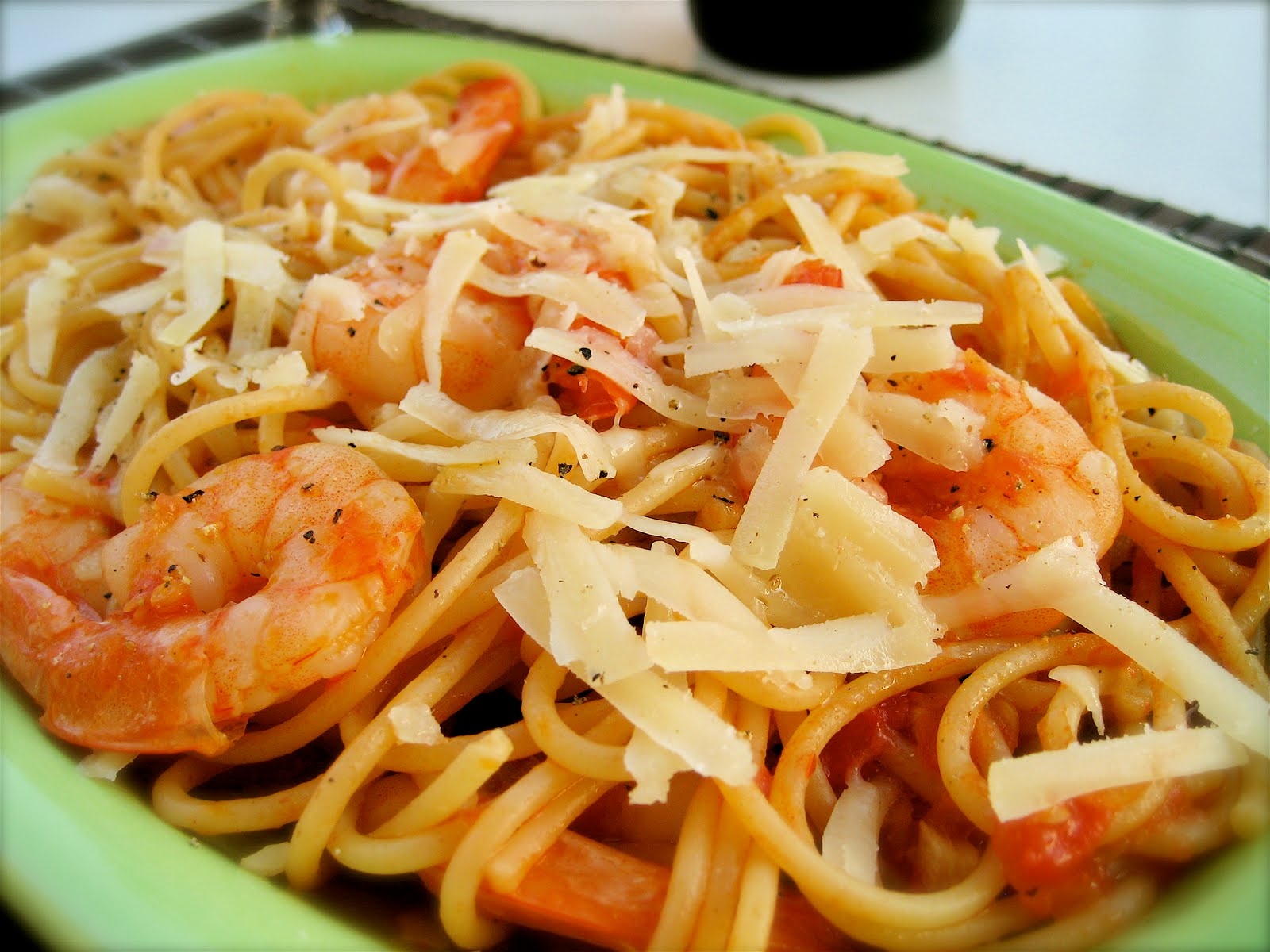 Cooking With Olive Oil: Shrimp Pasta (it's all about the sauce!)