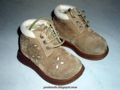 bot2 yenimoda.blogspot.com Çocuk Çizme Modelleri Çocuk Ayakkabı Çesitleri 2010
