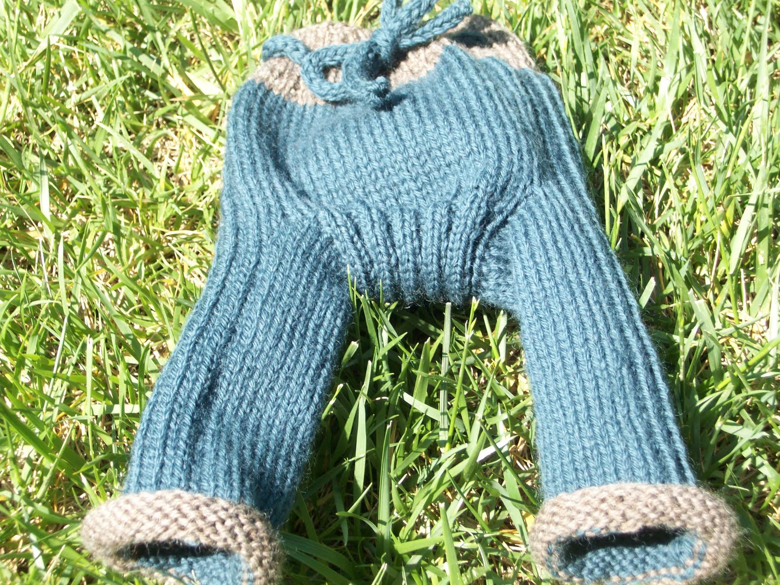 Finding Salihah: Knit Baby Longies!