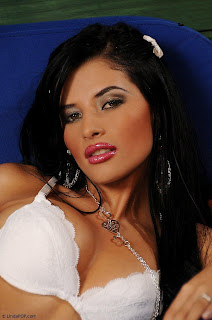 imagenes sexi las mas sexis mujeres mas guapas mujeres sexis en bikini  Karina Rengifo, labios carnosos