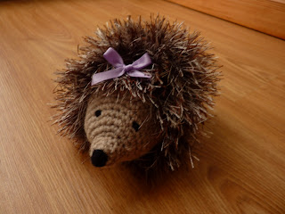 Sparkly Hedgehog Knitting Pattern : Yellow, Pink and Sparkly: Heidi Hedgehog