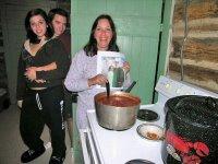 [melinda+cooking+chili]