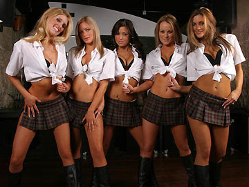 http://2.bp.blogspot.com/_A0F9qTwBOq4/SC7xPmE_jkI/AAAAAAAAAeQ/MtxtaIuPrU8/s400/naughty-School-Girl.jpg