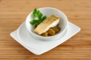 ropogós fogas sült hal dashi japán alaplé kombu alga kombualga bonito rizsbor mirin szójaszósz pácolt marinált padlizsán petrezselyem