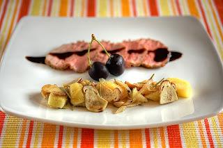barack őszibarack rozmaring vargánya rózsaszín borjú hátszín borjúhátszín alacsony hőfokon sült hús balzsamecet balzsamecetszirup olivaolaj