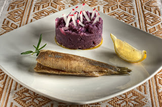 matjes hering heringfilé enyhén sózott hering lenolaj lenmagolaj konfitált hal babérlevél babér lila krumpli lila burgonya burgonyapüré krumplipüré