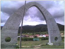 """""""Al pueblo que luchó por la paz 1980 - 2003"""". Centro Poblado de Villa Florida, Huanta, Ayacucho"""