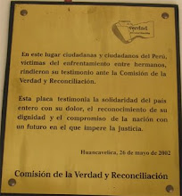 Placa en la Universidad de Huancavelica  Audiencia Pblica