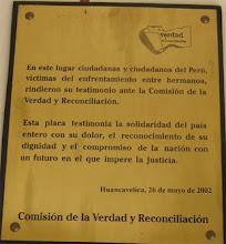 Placa en la Universidad de Huancavelica – Audiencia Pública
