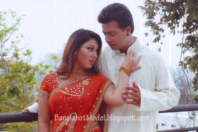 shakib khan with Apu Biswas