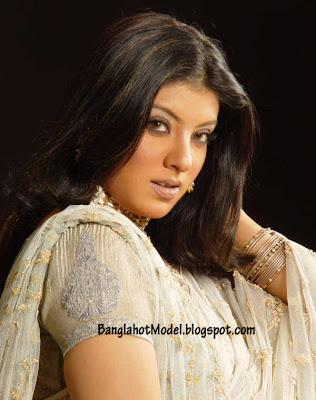 Bangladeshi Model Mou