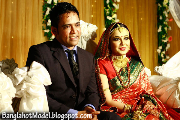 Bangladeshi Popular Singer Balam Recently Got Married with Sadia