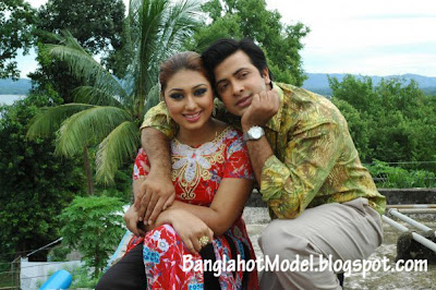 apu biswas with Shakib Khan