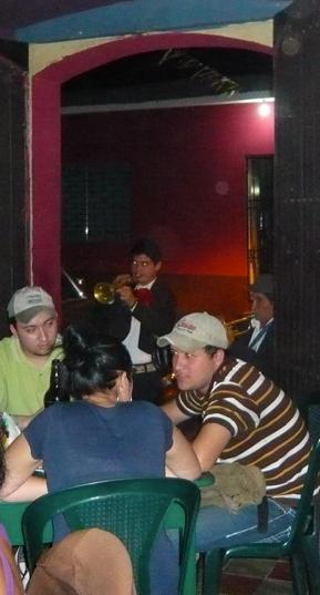 [mariachi2]