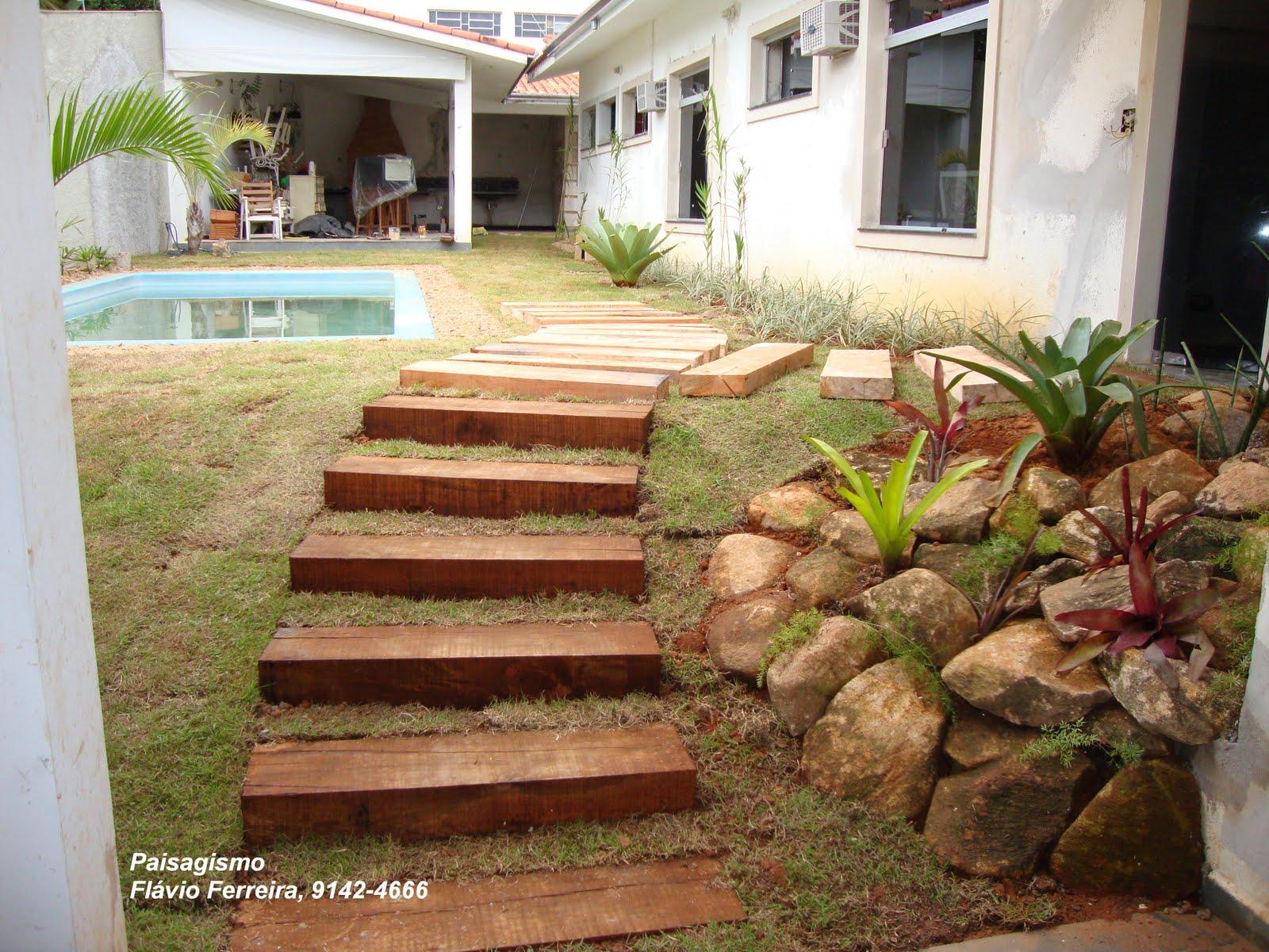 escada para o jardim: Gonçalves: Caminhos, além de sua funcionalidade valorizem o jardim